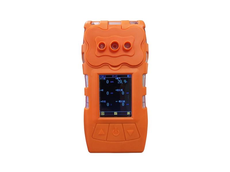 便携式气体检测仪使用时注意事项